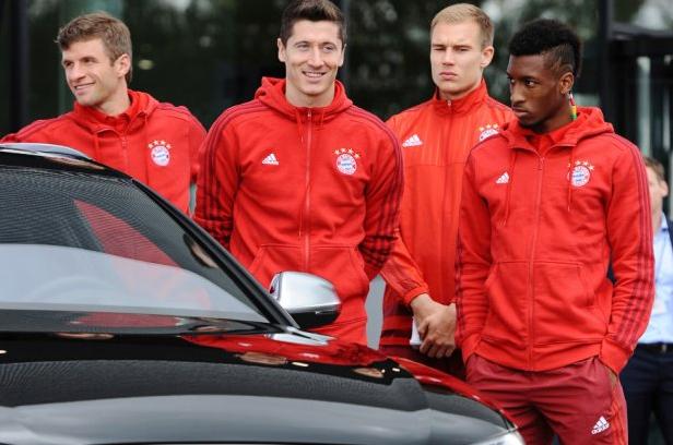 Lewandowski odbiera nowe Audi