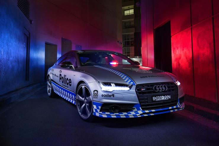 450 KM w policyjnym Audi!